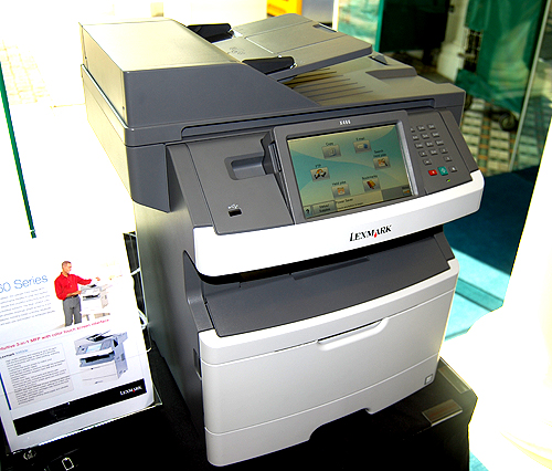 For medium-sized workgroups, there is the X463de, another multi-function monochrome laser printer. Duplex printing and scanning comes as standard, and it can print up to 15000 pages with a single extra-high-yield cartridge. The X463de also features the new e-Task touchscreen interface for easy operation.