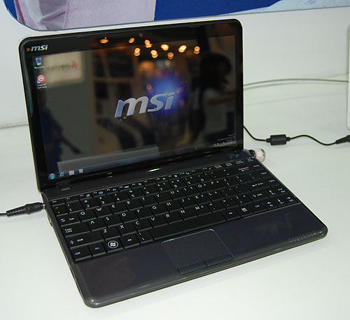 The latest Wind netbook, the U200 is a different kind of beast despite looking like MSI's other netbooks. It is larger at 12-inch but more importantly, it has an Intel Penryn SFF ULV processor, integrated GMA 4500MHD graphics and up to 4GB of memory. To say the least, the specs are anything but a netbook. It's also much heavier at 1.4kg with battery. The U200H model will come with HSDPA module integrated.