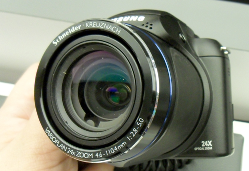 The WB5000 is capable of a 24x optical zoom ratio, and comes with high definition movie recording and is able to capture images under the RAW file format that's widely adopted by the DSLR range.
