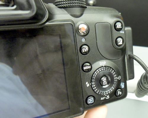 samsung unveils new super zoom camera and compact hd camcorder hardwarezone com sg Kodak Zi8 Flip Mino HD