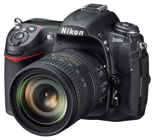 In a nutshell, the new Nikon D300s retains the goodness of the D300 with HD video recording functionality.