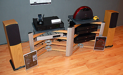 """The NaimUniti was paired with the two Neat Motive 2 speakers by the side, and this supposedly """"simple"""" setup sounded absolutely exquisite."""