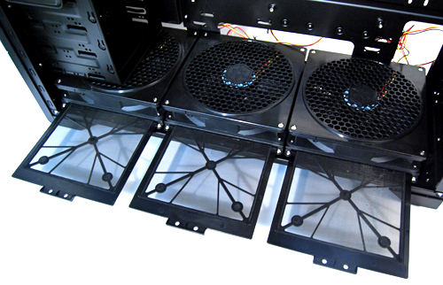 A closer look at the three 180mm intake fans. Each has its own filter for easy cleaning.