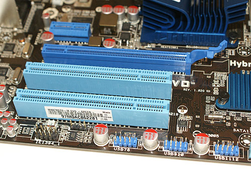 Being a mATX board, space is an issue, hence the limited number of expansion slots . The PCIe x1 for instance looks rather cramped at its location near the heatsink.