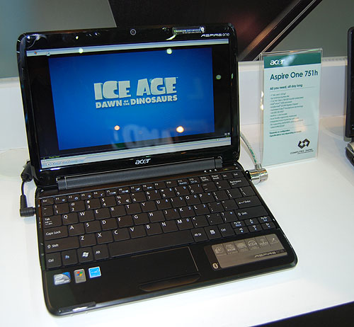 The Aspire One 751h meanwhile is slightly heftier at 1.25kg, thanks to its 11.6-inch LED backlit widescreen display. The newer Atom Z520 processor with Intel US15W chipset is used. Acer rates it at around 8 hours of battery life.