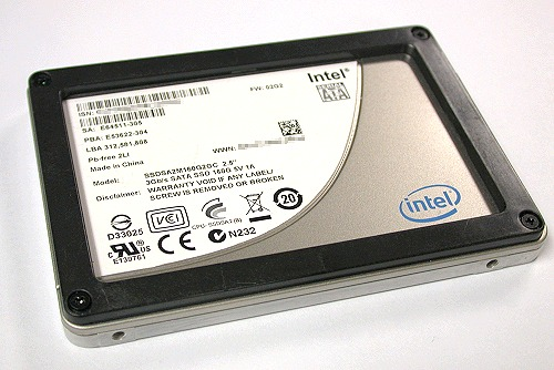 And here she is - the Intel X25-M Gen.2 SSD unit.