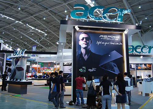 With its wide range of consumer electronics and PC products, Acer had the booth space to match it at Computex 2009.