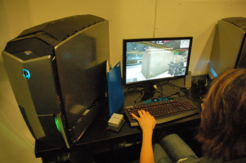 The Area-51 desktops come with a 21.5-inch Alienware AW2210 LCD monitor and TactX gaming mouse. By the way, these rigs are also capable of housing six SATA2 drive bays. We reckon that's more than enough space to house your hard drives?