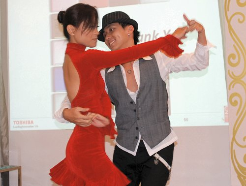 A sizzling salsa dance also help kept everyone on their toes with their slinky and sensuous moves.