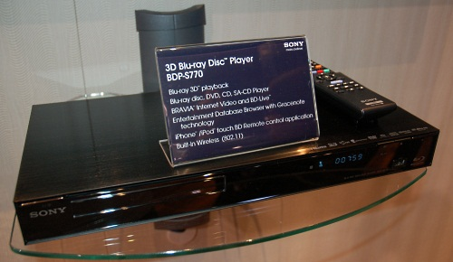 Part of Sony's new monolithic design for home theater systems, this new 3D Blu-ray player BDP-S770 will only be available in the summer, supporting Blu-ray 3D playback and BRAVIA internet video and BD-Live. It has built-in wireless Wi-Fi, DVD upscaling and all that jazz. And best if all, we saw its free BD Remote app for the iPhone/iPod Touch in action and it looks quite useful.