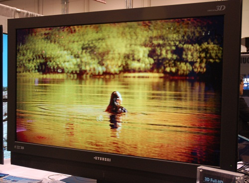 A much larger 46-inch full HD 3D LCD monitor, the S465D has a 6ms response time, contrast ratio of 3000:1 and three HDMI inputs.