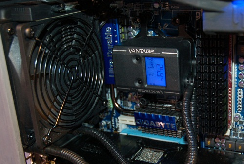 The Vantage CPU liquid cooling system features a wireless chassis monitoring and control system that automatically regulates the fan speeds, even those by third parties through a special fan node.