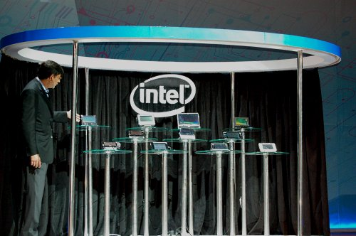 Intel's MID movement is met by a lot of industry support at today's launch of the Centrino Atom platform.