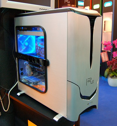 First seen at this year's Computex, the IKONIK Ra X10 Liquid was, to say the very least, eye-catching.