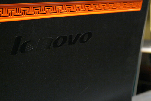 You can't get any more oriental than this. Lenovo has engraved a row of orange-colored motifs at the back panel to give this IdeaCentre some character.