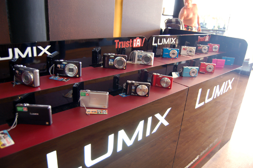 Panasonic wasted no time with showing off their new range of products. Lining the immediate area near the entrance were display sets of the nine new compacts cameras...