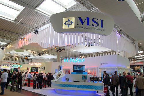 Back to MSI's booth today, we caught hold of one of the few DDR3-enabled boards in action at the show floor.