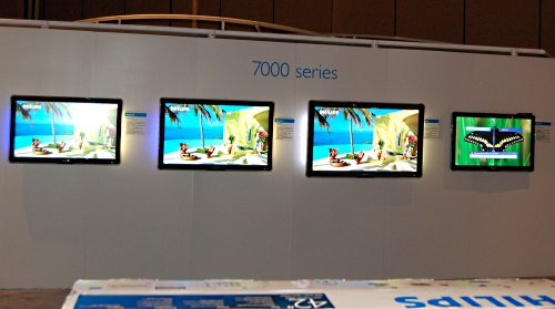 The rest of the 7000-series will feature 42, 47 and 52-inch TVs. However, there are two sub-series as well. The 7600 models will support everything listed above while the 7400 models forego the Ambilight feature. While other sizes in both series are expected to be released around the March to April timeframe with price tags of US$1700-$2000, the 52-inch models for the 7403 and 7603 series are expected to become available in May 2008 and cost US$2699-2799.