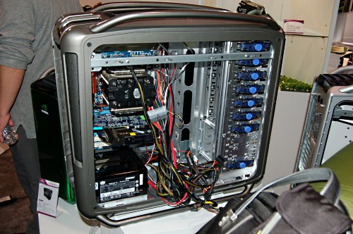 Looking pretty similar to the Cosmos 1000 is the new Cosmos Storm, seen here at CES 2008 fully loaded and ready for your gaming pleasure.