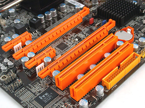 Like all the P45 boards we have seen so far, the DFI LANParty DK P45-T2RS PLUS supports CrossFireX via its two PCIe x16 slots. Either one of these slots have full 16 lanes if operating alone and 8 lanes if together in CrossFireX mode. One thing we didn't like was the location of the floppy connector, which meant pulling the floppy cable across the board to be plugged in and possibly messing up your attempts at cable management.
