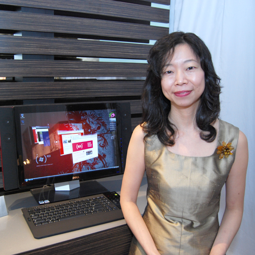 Joining us at the Windows Experience at the Azure Bar is Shoko Suzuki, Director, APJ Consumer Marketing, Dell Inc., who also shared Dell's vision of the future for hardware evolvement from a design point of view.