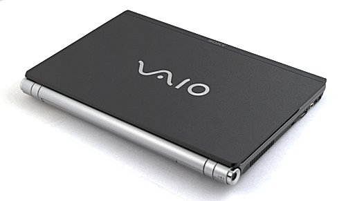Looking all glorious and gorgeous is the latest Sony VAIO model, the VGN-Z17GN.