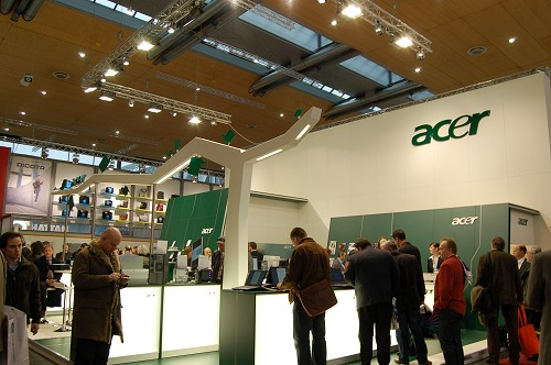 Acer's booth suites both its corporate color scheme and that of the ongoing 'green-IT' movement.