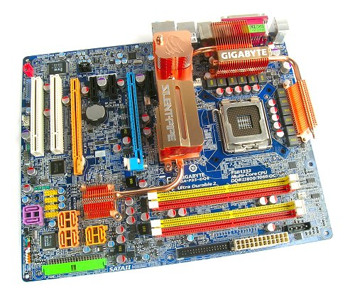 The new Gigabyte P35-DQ6 motherboard in its full glory.