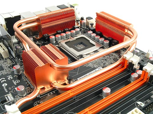 This is the chipset cooling solution on the P5K3 Deluxe, a less complicated heat-pipe system compared to the past two Gigabyte and MSI previews. However, they still form a wall around the CPU socket.