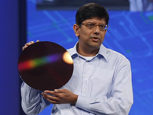Anand Chandrasekher, Intel senior vice president and general manager, Ultra Mobility Group showing the IDF audience the first Moorestown platform ''Lincroft'' wafer. Moorestown, the next-generation of Intel's ultra-mobile platform is on-track for 2009/2010.