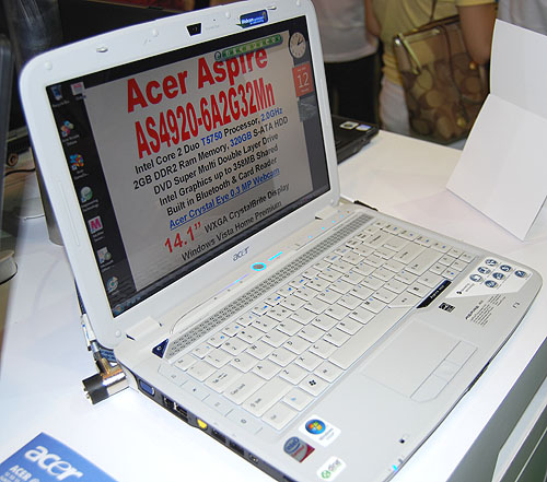 This is the Acer Aspire 4920-6A2G32Mn, which is slightly more expensive than the Extensa shown above by $100. For that, you'll get rather similar specifications, though with a better Core 2 Duo T5750 processor and twice the hard drive capacity at 320GB.