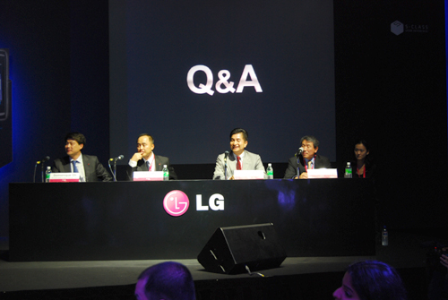 Dr. John Park (third from left) was on hand to answer some of our questions regarding the newly launched LG Application Store and its plans for the Google Android platform on its LG lineup.