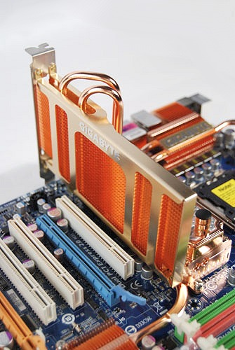 This is how the huge radiator thing fits onto the motherboard. Notice how it completely covers the PCIe x1 slot.