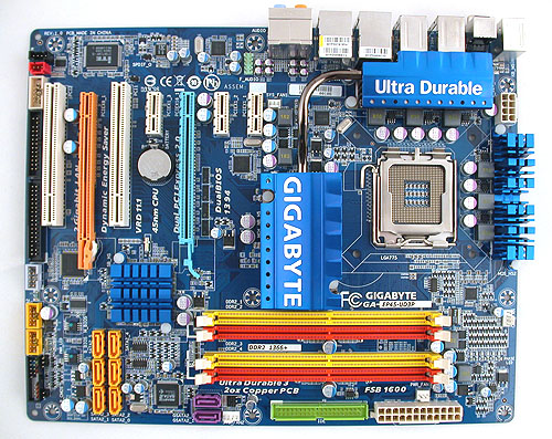 The bright and colorful Gigabyte GA-EP45-UD3P, now with more copper in the PCB than before.