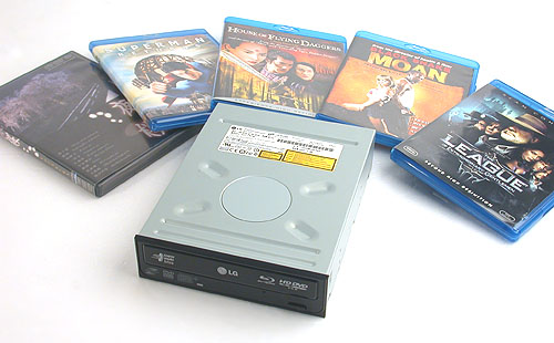 This article would not be possible without the Blu-ray, HD DVD dual format drive from LG. Of course with Blu-ray heralded to win the format struggle, this drive may be an anachronism in the future. The discs shown here are used in our testing, including four Blu-ray and one HD DVD discs.