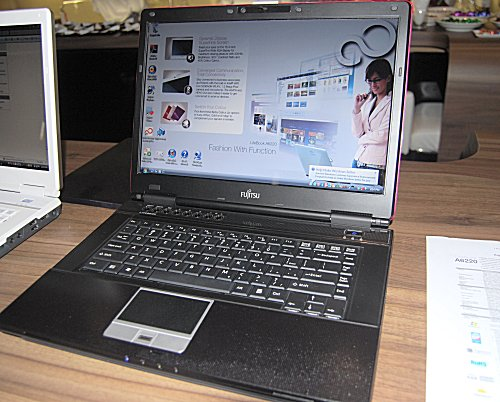The Fujitsu LifeBook A6220 comes with an Intel Core 2 Duo P8600/8400 processor 15.4-inch WXGA screen, Blu-ray (or normal DVD), ATI Mobility Radeon HD 3470 and 250GB HDD. Will only be available in Q1 2009 so don't hold your breath!