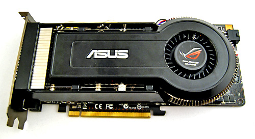 The ASUS GeForce 9800 GT Matrix comes in plain black with no labels whatsoever. It also sports a cooler that looks similar to those found on reference HD 4850s and HD 4870s. Seeing it for the first time, we thought ASUS sent us the wrong card!