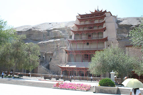 The Mogao Grottoes, located in Dunhuang, contains 492 temples beautifully sculpted and built inside caves. In it, you'll find Buddhist art as old as 1,000 years.