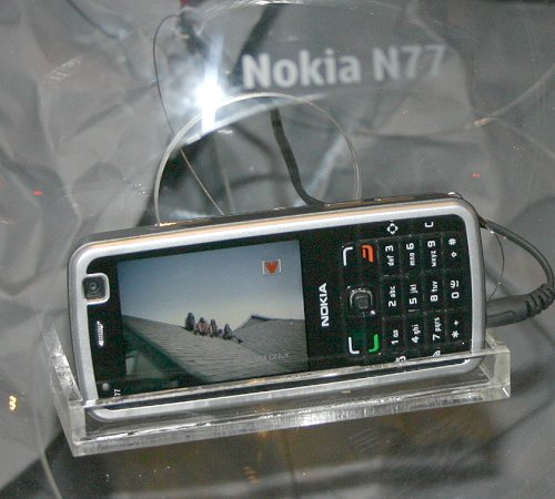 Based upon the form factor of the N73 means the new N77 is an equally manageable phone where handling is concerned. Unlike the former however, the N77 only has a 2.0-megapixel camera and is primarily aimed at countries with DVB-H infrastructure already in place.