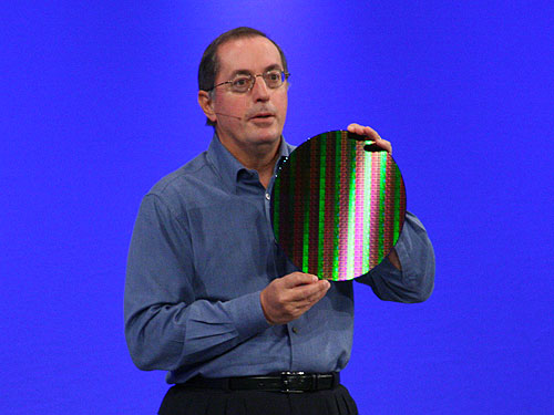Intel Corporation President and CEO Paul Otellini with the industry's first 32nm SRAM test wafer.
