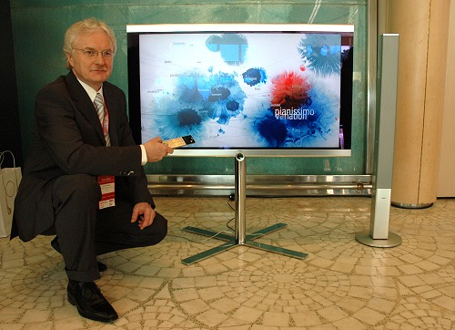 Dr. Roland Raithel, the Public Relations Director with the Loewe Individual Compose 46, first shown at IFA 2006. According to Dr. Raithel, Loewe will be expanding on the Individual Compose line at IFA 2007 as well as integrate networking innovations into its line of HDTVs.