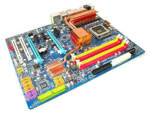The Gigabyte GA_X38-DQ6 is a great filler motherboard for the incremental upgrader who has waited a long time for proper Intel CrossFire solution. For the rest of the world, wait for the DDR3-only GA-X38T-DQ6.