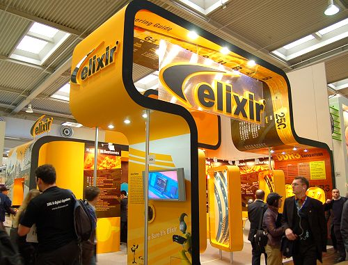 Elixir, the retail branding of Nanya memory was proudly showcasing its latest range as well as DD3 parts, which in their view are ready for retail as soon as the motherboards arrive.
