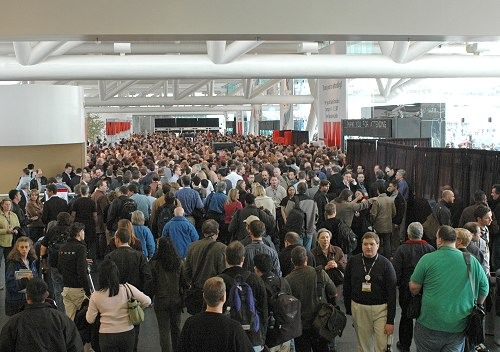When the keynote had ended, everybody almost immediately then proceeded towards the Exhibit Hall. Just look at the crowd!