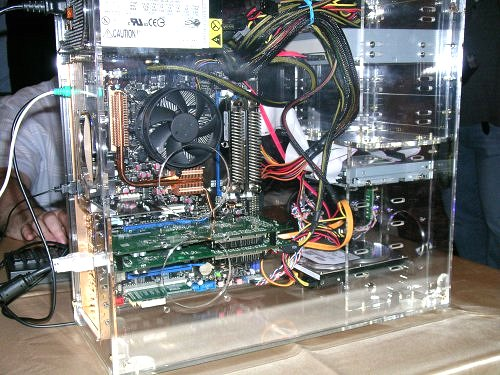 Another setup using a 2GB pair with regular air cooling to demonstrate OCZ overclocking advantage. The motherboard you see in both systems is an unreleased ASUS sample - also built especially for overclocking.