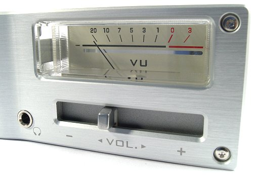 Analog VU meter, colume control and of course a headphone jack.