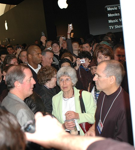 Chaos erupted when you-know-who-and-who decided to take a walk at the Apple booths.
