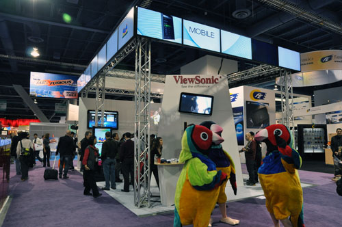 Viewsonic's booth with its usual bird logos everywhere. Oh wait, are those mascot birds dancing???