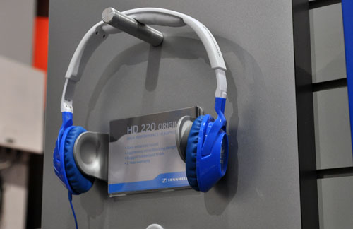 The HD 220 is a partnership with Adidas and feature a solid bass sound and noise blocking technology.