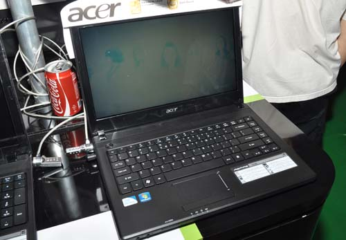 Going even lower with a $699 price tag is the 14-inch Acer Aspire 4783Z with its Intel Pentium (yes, stop gasping) P6200 (2.13GHz) processor. It's almost as cheap as a netbook, but its performance will be much better. It sports Intel HD graphics, 2GB RAM and 500GB HDD.